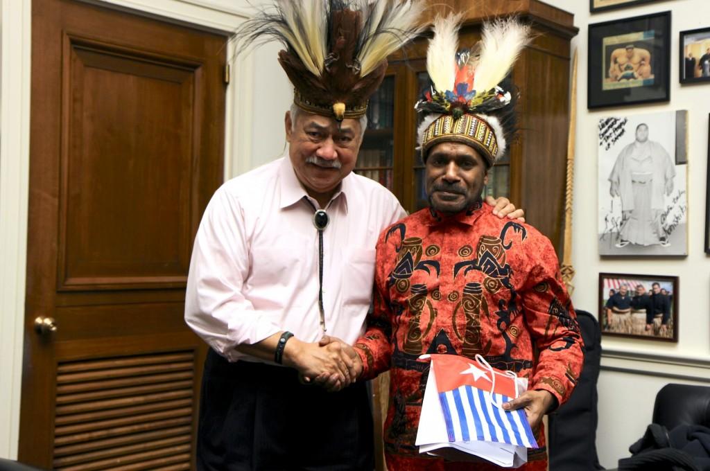 Benny pictured meeting US Congressman for American Samoa, Eni Faleomavaega, yesterday in Washington, D.C.