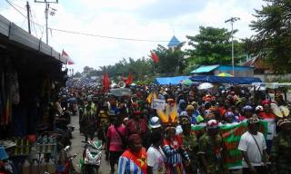 Almost 1000 West Papuans in Timika protest for the release of the journalists