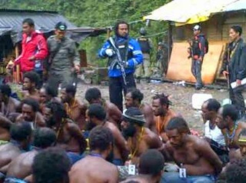 Indonesian police burn houses and arrest and torture innocent Papuans in Timika, West Papua4