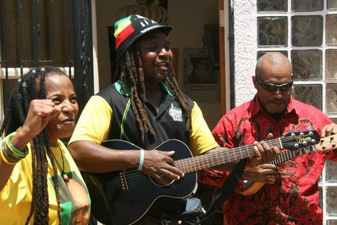 Benny Wenda playing music with Lucky Dube's band