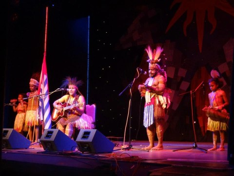 Lani Singers, West Papuan band palying at MusicPort, Whitby