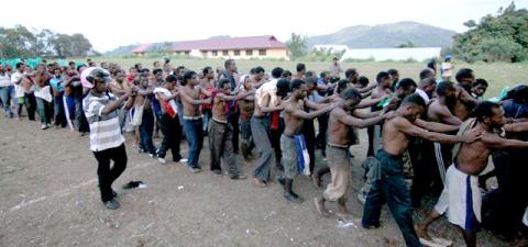 WestPapuanstreatedlikeslavesbyIndonesia