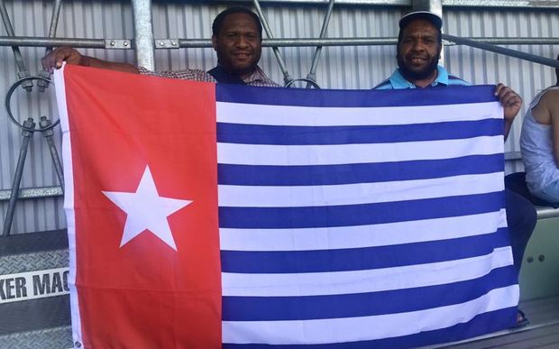 eight_col__U__LEAGUE_West_Papua_fans_16x10