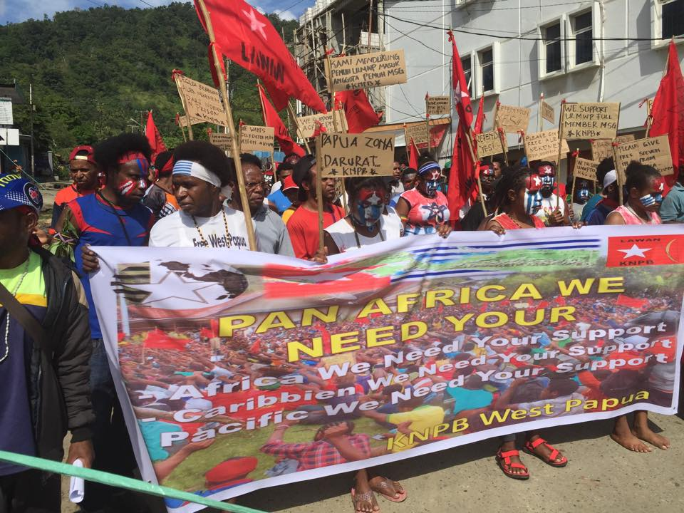 West Papuans in Wamena demonstrate in support of West Papua being rasied at ACP meeting93933