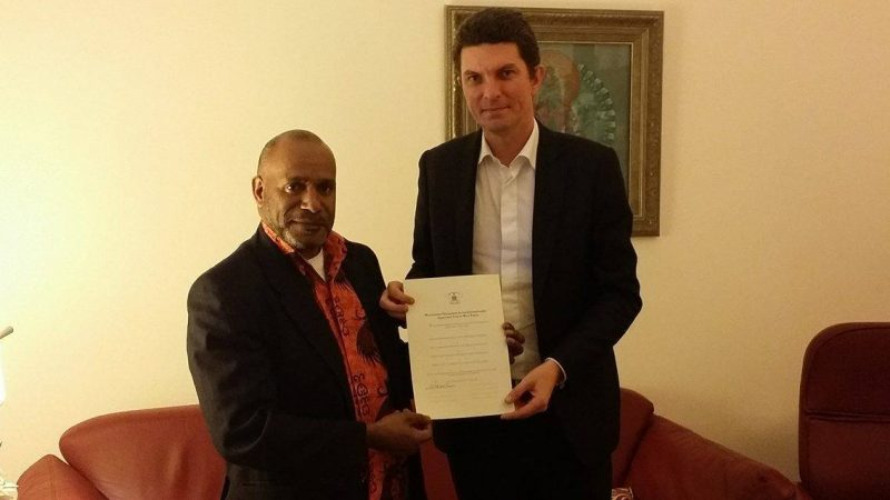 Benny Wenda meeting with Western Australia Senator Scott Ludlam who signed the new Westminster Declaration for an Internationally Supervised Vote in West Papua.