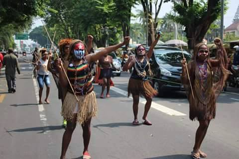 west-papuan-students3