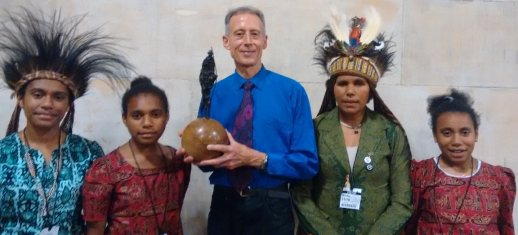 gandhi-peace-award-koteka-and-peter-tatchell7